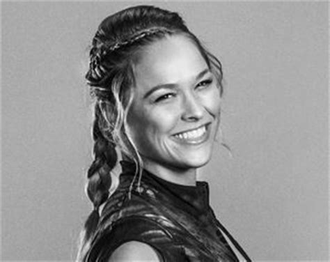 ronda rousey hairstyles 1000 images about femme ronda rousey on pinterest mma
