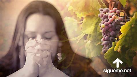 imágenes orando a dios mujer de oracion cristiana pictures to pin on pinterest