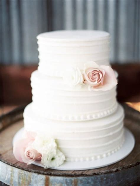 Wedding Cake Simple Simple Yet White Wedding Cake Wedding Cakes