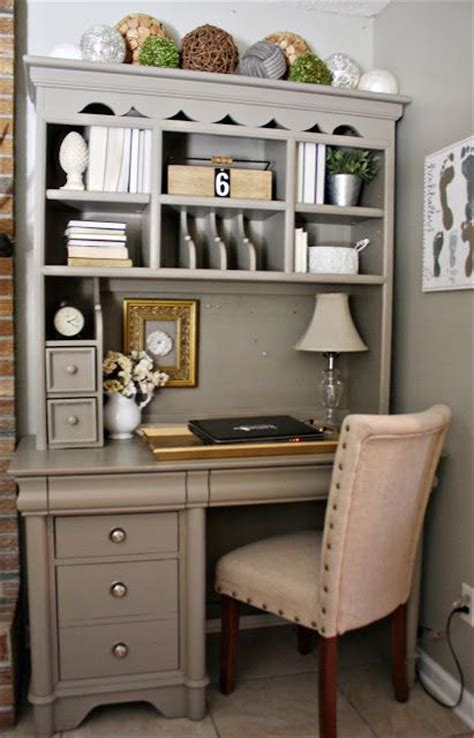 Desk Hutch Ideas 25 Best Ideas About Painted Desks On Pinterest Refurbished Desk Desk Redo And Desk Makeover