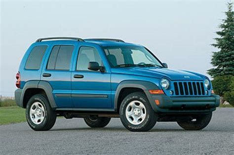 older jeep liberty blue 2005 jeep liberty right front photo old and new trucks