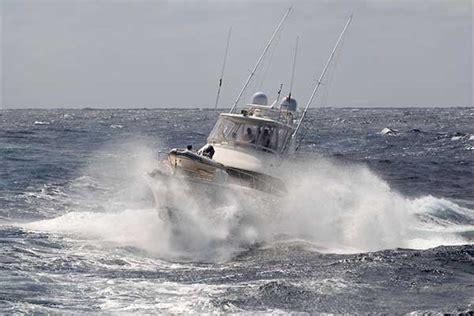 crash boat waves wave wisdom boatus magazine