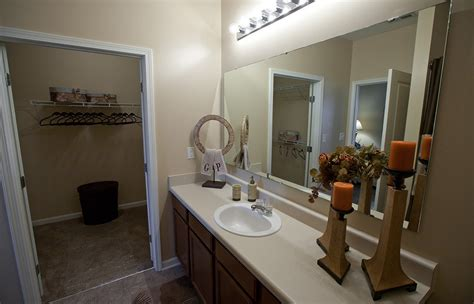 3 Bedroom Apartments In Peoria Il by Photos And Of Apartments At Grand Prairie In Peoria Il