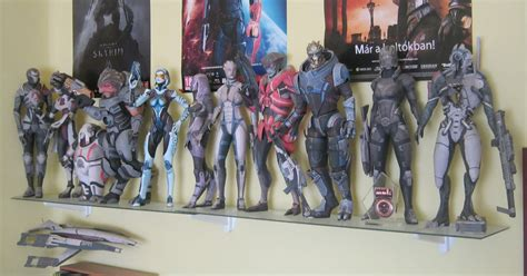 Mass Effect Papercraft - my mass effect paper figures 3 by daishihun on deviantart