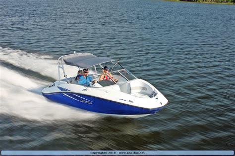 sea doo boat rentals 2010 sea doo 180 challenger sport boat on water 1