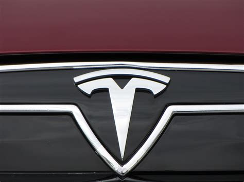 Gm Tesla What The Tesla Logo Means Ceo Elon Musk Explains