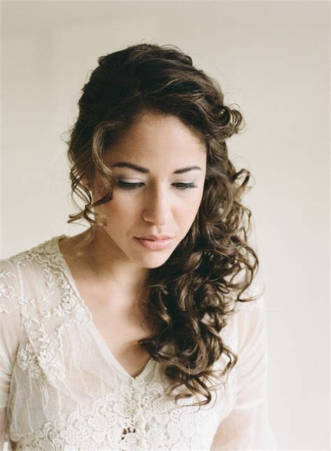 Wedding Hairstyles For Naturally Curly Hair by 29 Charming S Wedding Hairstyles For Naturally Curly