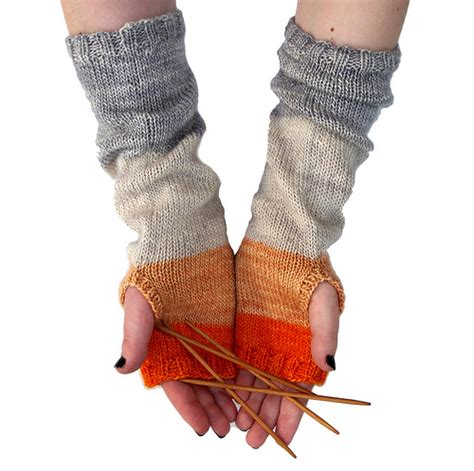 knitting pattern hand warmers red pepper quilts whit s knits colorblock hand warmers
