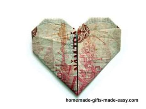 Pound Note Origami - simple money origami tutorial and picture