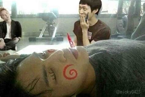 coret wajah 1 jyj yoochun mencoret coret wajah jaejoong asia kpop news