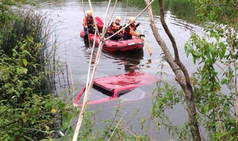 canal boat crash mystery canal boat crashes into immersed land rover on
