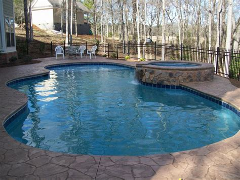 pools with spas custom gunite pool with spa from calypso pool services in