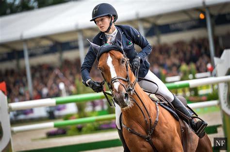 lucy davis horse rider lucy davis samshield