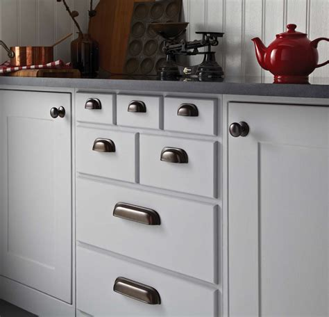 Kitchen Cabinet Door Knob Kitchen Door Handles And Knobs Oakhurst Interiors