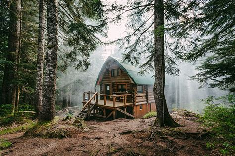 Cabin In The Woods by 10 Lonely Houses To Get Away From This World Bored Panda