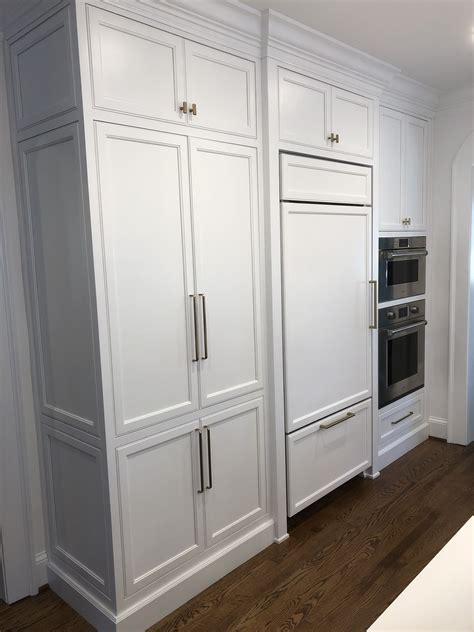 kitchen cabinets finished  chantilly lace brass
