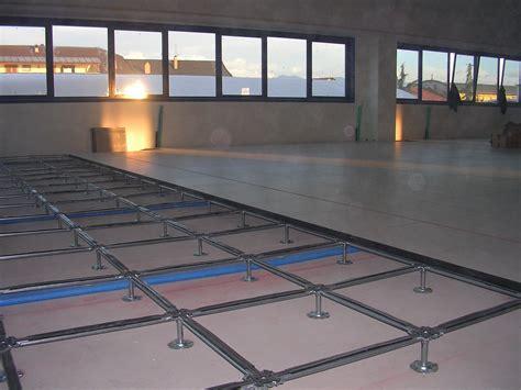 pavimenti galleggianti per interni prezzi pavimenti sopraelevati pannelli termoisolanti