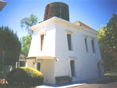 Tank House by Ravenswood Historic Site