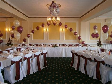 inexpensive ways to decorate walls for wedding reception
