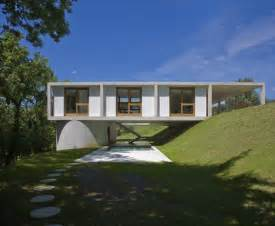 Building A House On A Slope by Unique Houses On Sloping Ground Hillside Homes Idea