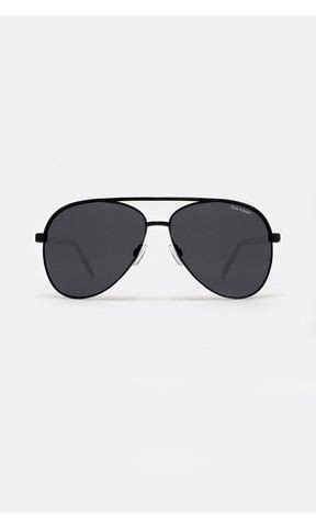 vivienne black sunglasses from quay x shay mitchell