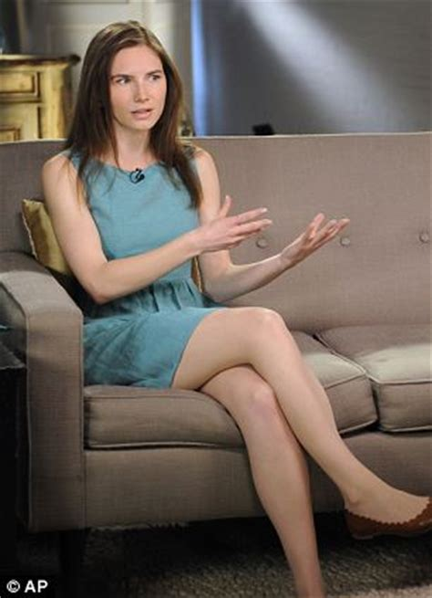 amanda knox nip slip short news poster streaked hair diane sawyer rachael edwards