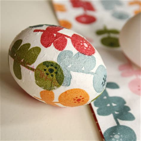 Decoupage Easter Eggs Tissue Paper - diy decoupage easter eggs by wilma