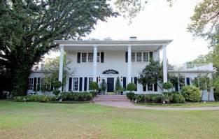 magnolia home fixer upper couple snags historic estate in waco