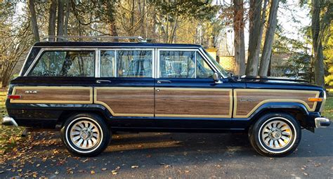 Vintage Jeep Wagoneer Classic Jeep Wagoneer Is Still A Favorite Among High