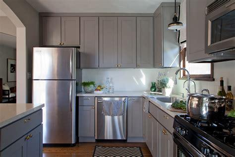 15 Inspiring Grey Kitchen Cabinet Design Ideas
