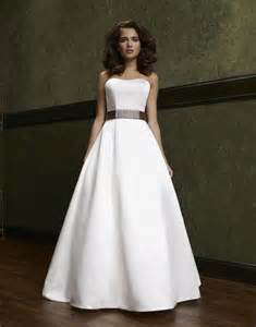 simple a line wedding dress ipunya