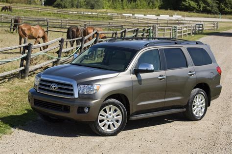 Build A Toyota Sequoia Make A Statement With The 2017 Toyota Sequoia