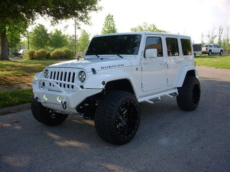 jeep rubicon white sport 2013 jeep wrangler unlimited rubicon sport utility 4 door