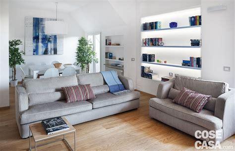 cucine a vista sul soggiorno cucina a vista sul soggiorno nel sottotetto con terrazzi a
