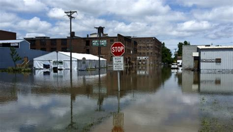 floods hit new mexico towns more storms eyed krqe news 13 christmastime storms tornadoes kill at least 43 in u s