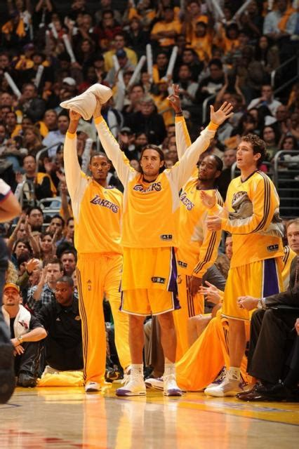lakers bench lakers bench players stand and celebrate jpg 1 comment