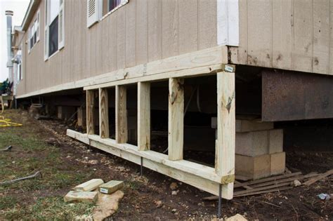 5 Ways To Go Skirting Around Fabulously by Diy Mobile Home Skirting Mobile Home Remodel