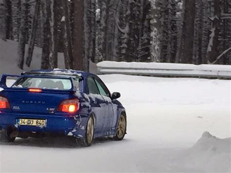 subaru drift snow subaru impreza wrx sti snow drift ats oto youtube
