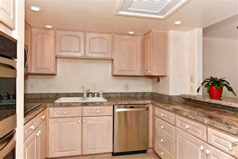 white washed kitchen cabinets white wash kitchen cabinets kitchen design ideas
