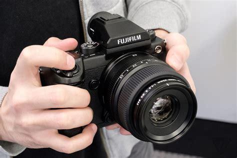 medium format fujifilm s medium format mirrorless arrives