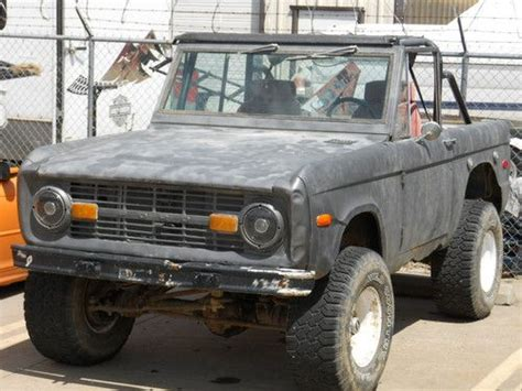 purchase used 1972 ford bronco 302 v8 manual trans no