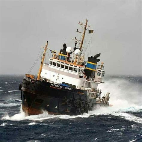 qatar tugboat jobs 17 best images about tug boats on pinterest panama canal