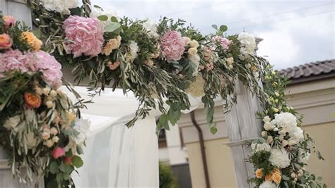 Wedding Arch Decorated With Flowers by Wedding Flower Arch Decoration Wedding Arch Decorated