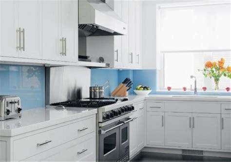 backsplash für kleine küchen k 252 che glasr 252 ckwand k 252 che gr 252 n glasr 252 ckwand k 252 che