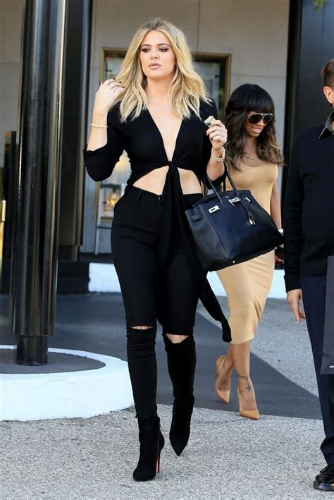 Top Khloe khloe crop top khloe clothes looks stylebistro