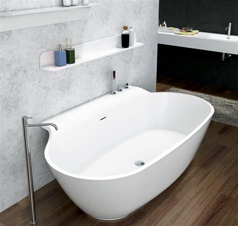 wasseranschluss badewanne bernstein design badewanne freistehende wanne luxx