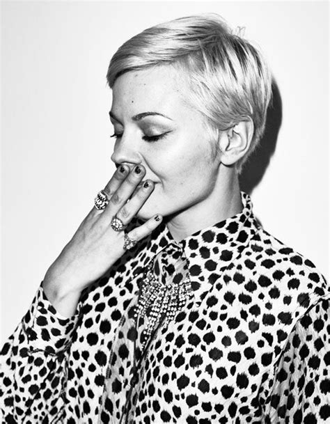 2105 short hair 1000 images about short haircut on pinterest coiffures