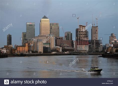 thames river boat canary wharf river police hq stock photos river police hq stock