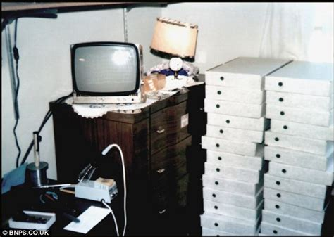 apple s first warehouse was steve jobs bedroom as seen in