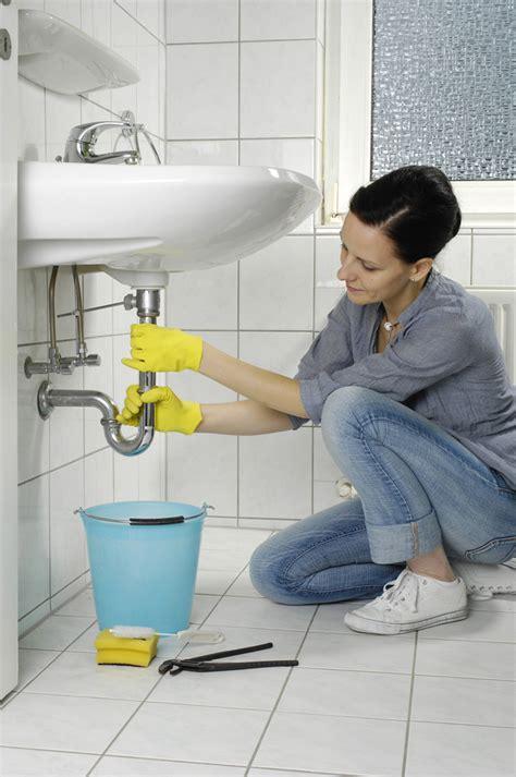 abfluss reinigen verstopften abfluss reinigen